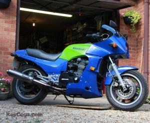 Kawasaki-GPZ900R