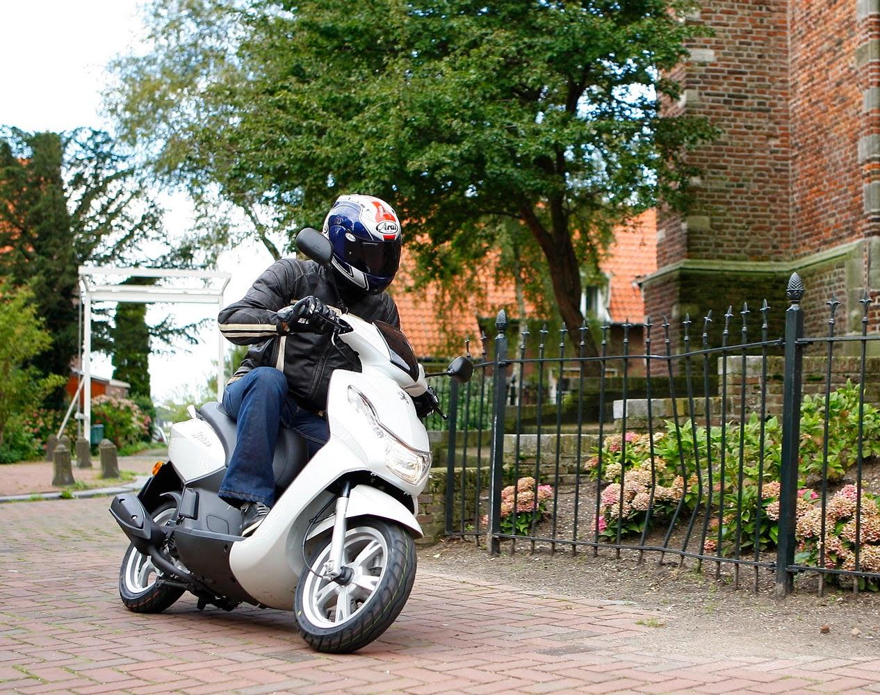 Peugeot Kisbee tops Euro scooter sales | ResCogs