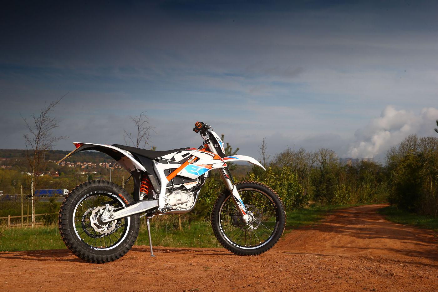 Ktm Freeride E Sm >> We ride the KTM Freeride E-XC and E-SX | ResCogs