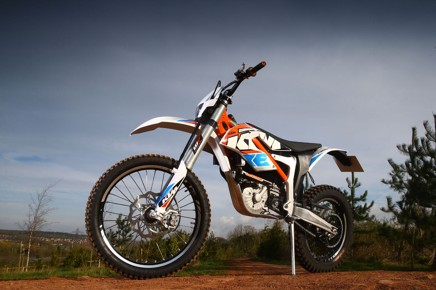 we ride the ktm freeride e xc and e sx rescogs. Black Bedroom Furniture Sets. Home Design Ideas