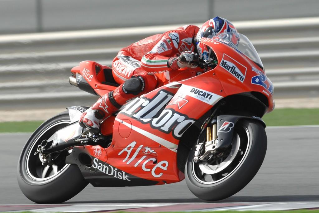 Casey Stoner on the Ducati Desmosedici GP at Qatar 2007