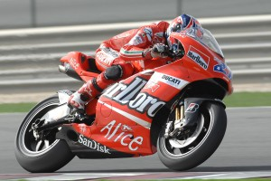 Casey Stoner on the Ducati Desmosedici GP at Qatar 2007