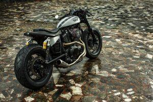 Yard Built Moto di Ferro Yamaha XV950 'Speed Iron'