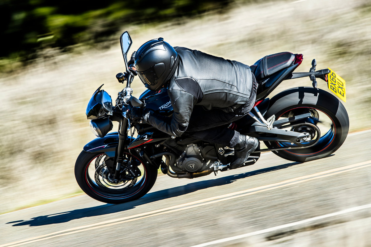 the new 2017 triumph street triple range revealed rescogs. Black Bedroom Furniture Sets. Home Design Ideas