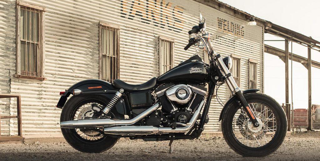 Harley-Davidson Dark Custom Comp - Test a 2017 Harley-Davidson Dark Custom Street Bob