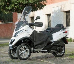 Piaggio MP3 Yourban 300LT Gets Official Accessories