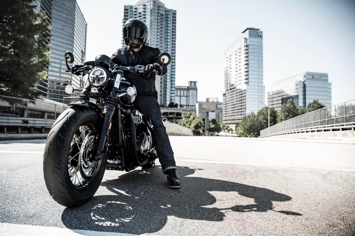 2018 Triumph Bobber Black Riding