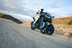 New 2018 Yamaha NIKEN MXT850 Three-Wheeled Sportsbike Revealed