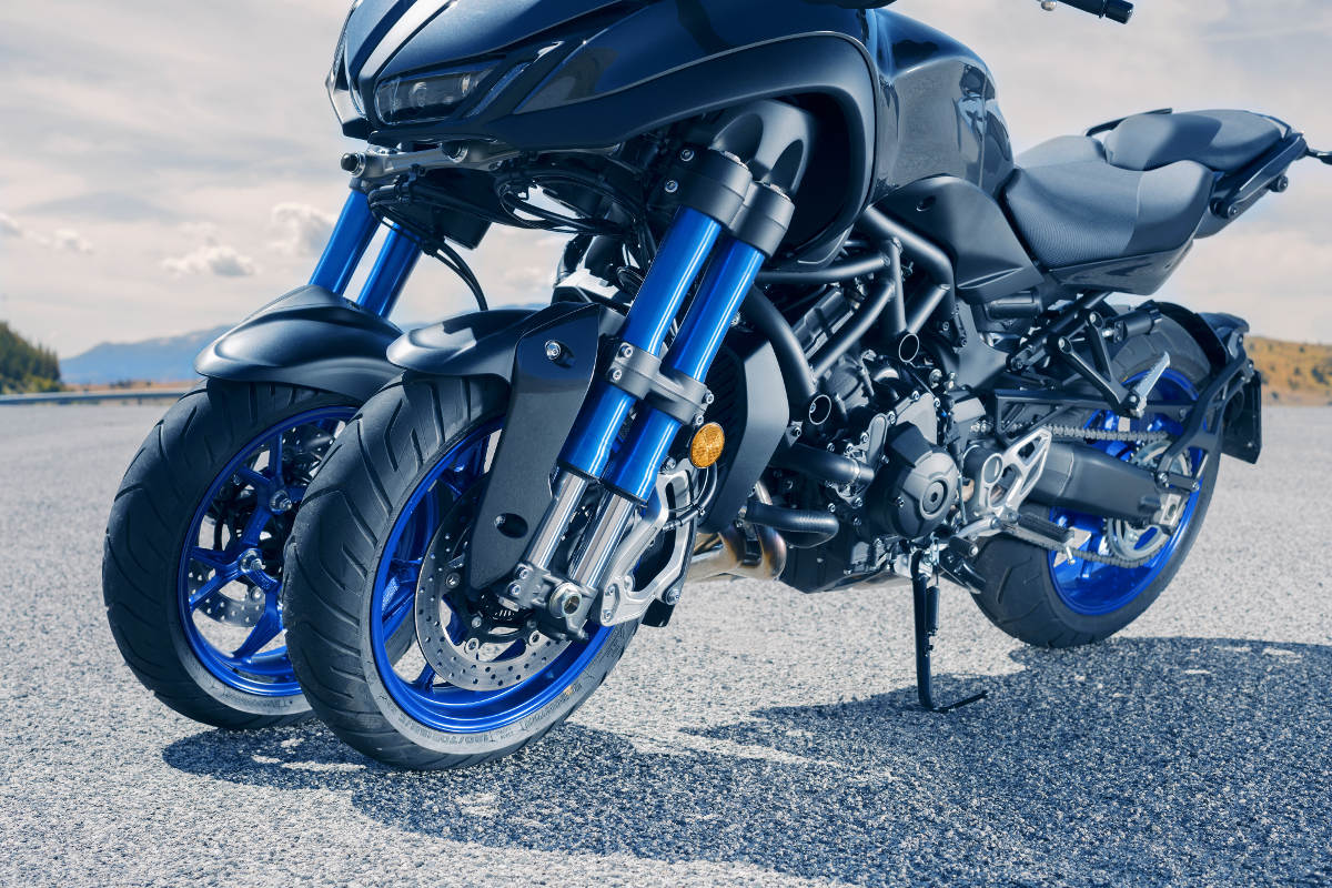 2018 Yamaha NIKEN MXT850 Three-Wheeled Sportsbike Side Detail