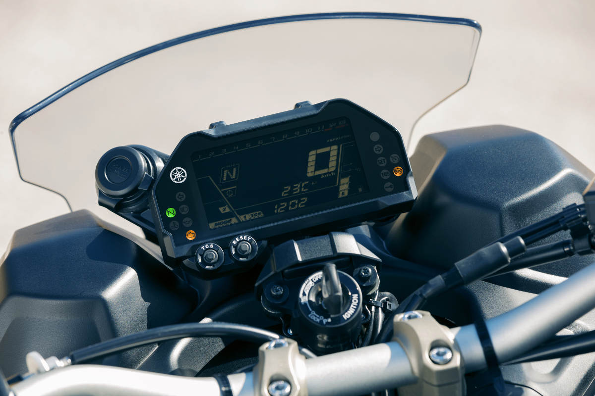 2018 Yamaha NIKEN MXT850 Three-Wheeled Sportsbike Dash Detail