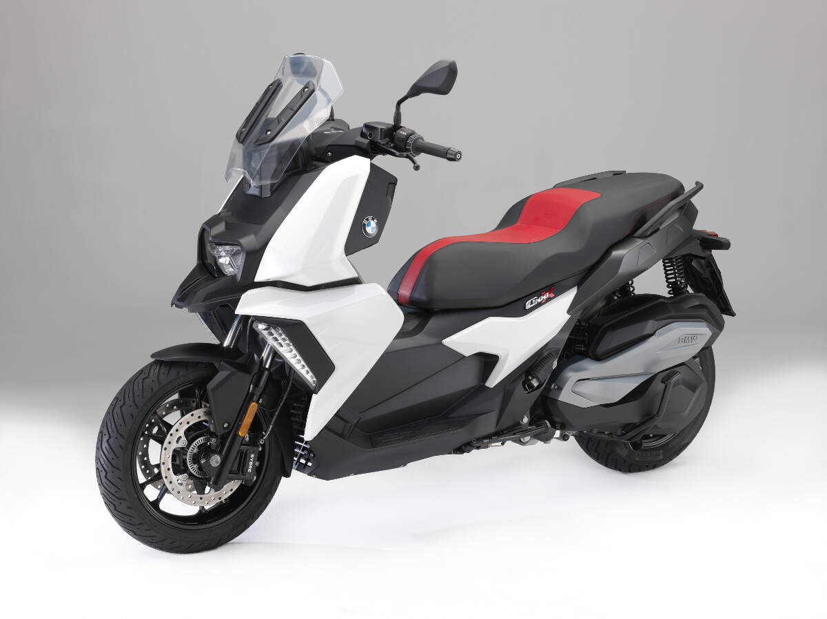 the new 2018 bmw c 400 x scooter rescogs. Black Bedroom Furniture Sets. Home Design Ideas