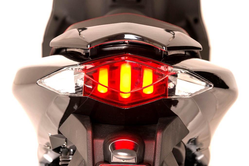 2018 Peugeot Speedfight 125i 4th Gen Launched Brake Light