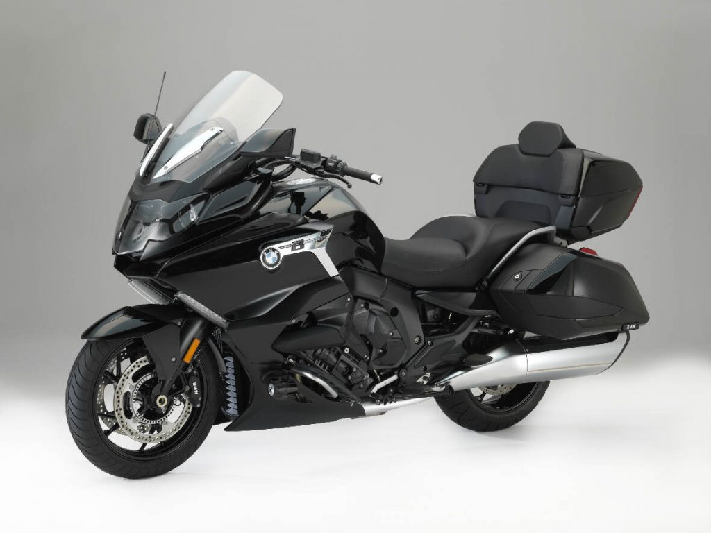The 2018 BMW K 1600 Grand America Blackstorm Metallic Standard Trim