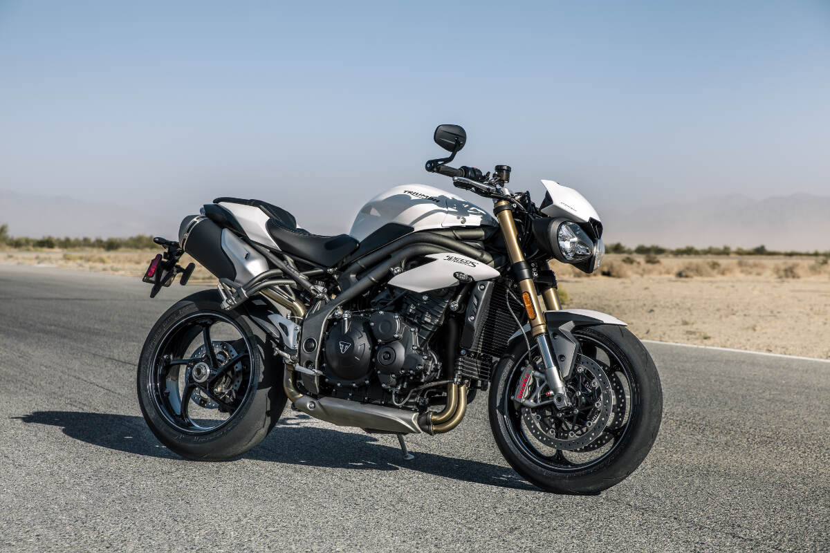 2018 triumph speed triple s and rs revealed rescogs. Black Bedroom Furniture Sets. Home Design Ideas