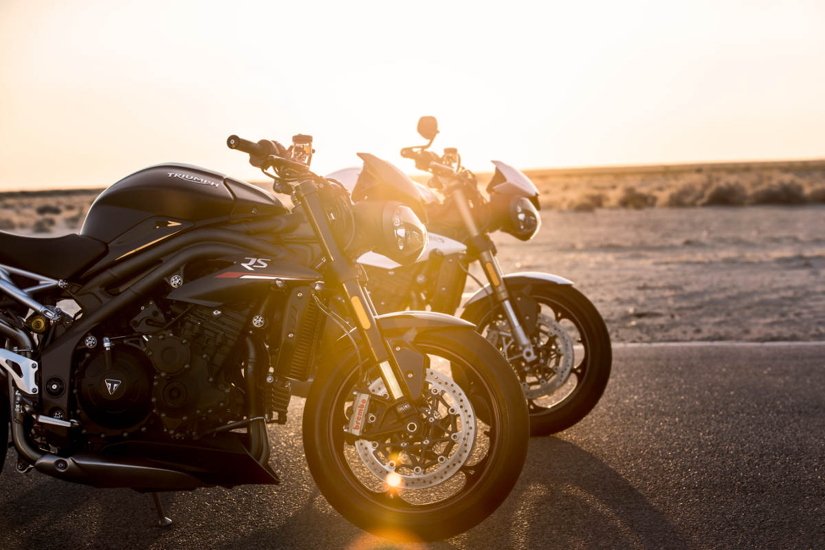 2018 Triumph Speed Triple S and RS Static Sunlight