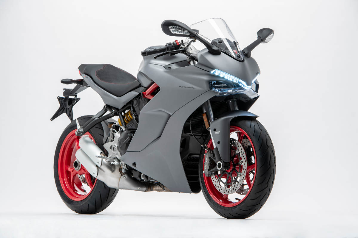 2018 Ducati SuperSport Now Comes Only In Titanium Grey - Front 3Q