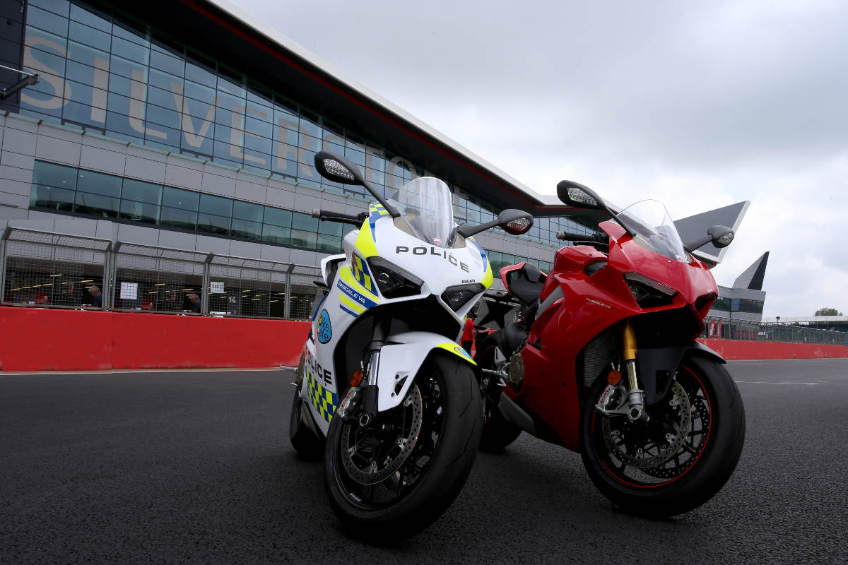 Ducati Loans BikeSafe UK A New Police Livery Ducati Panigale V4 2