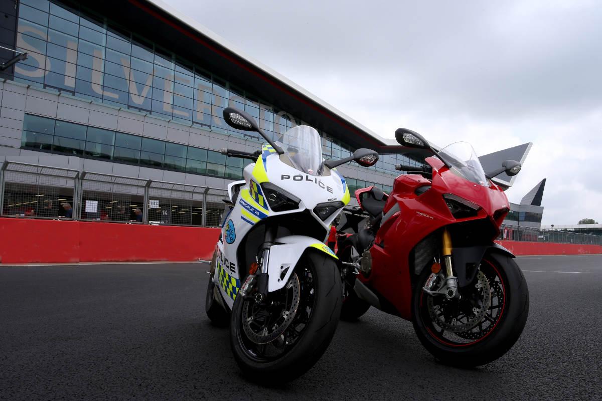 Ducati Loans BikeSafe UK A New Police Livery Ducati Panigale V4 2