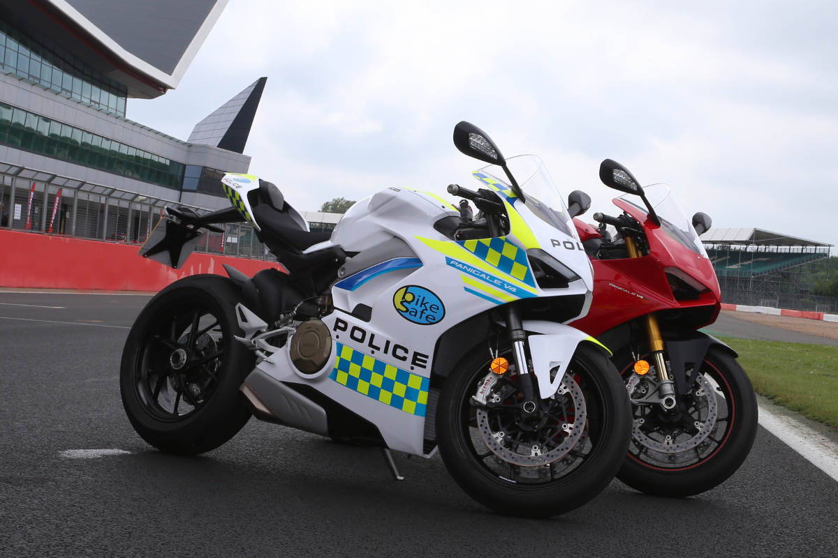 Ducati Loans BikeSafe UK A New Police Livery Ducati Panigale V4