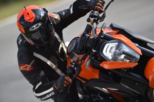 Product Test – HJC IS-17 Helmet Review