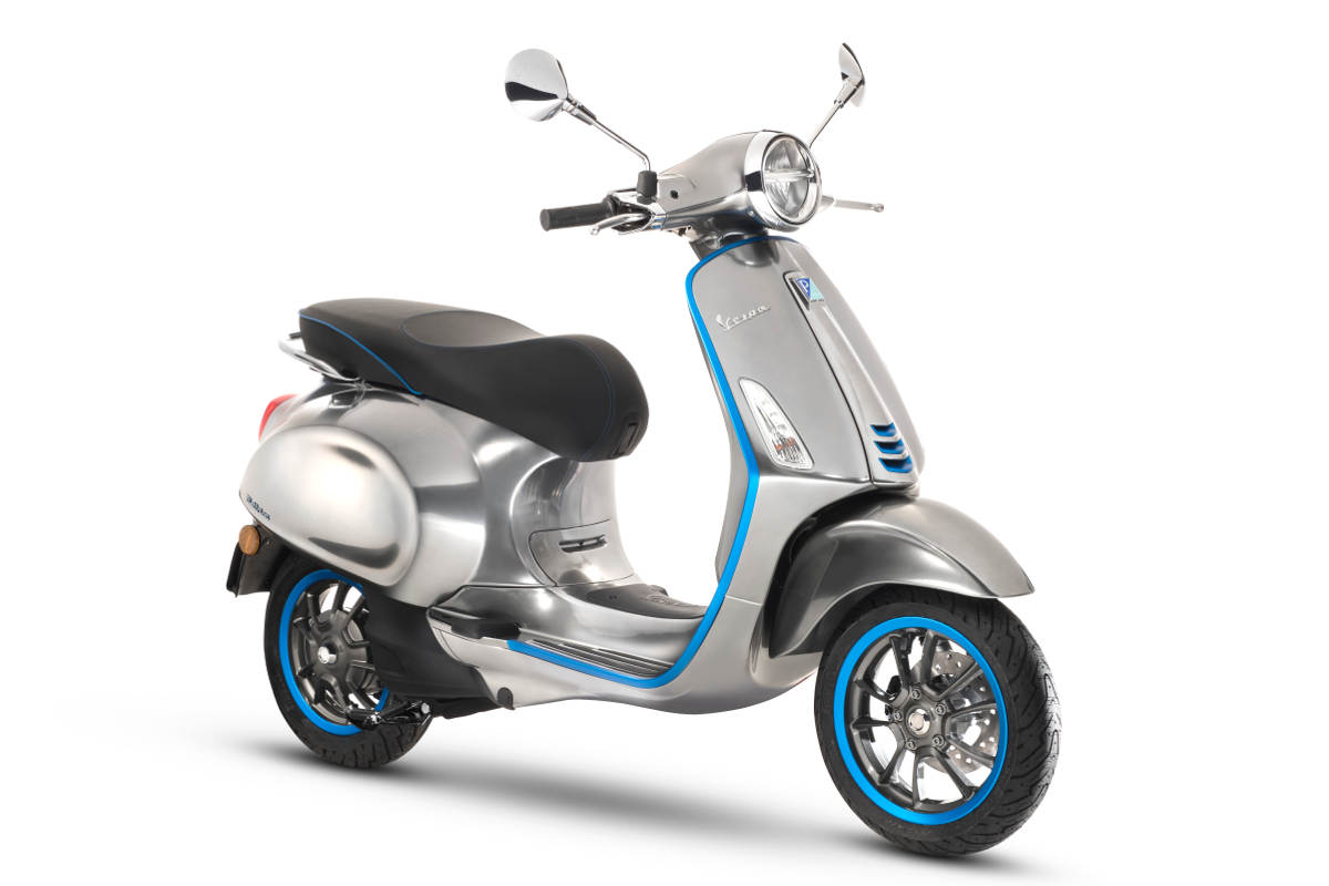 Vespa Elettrica Goes Into Production In 2018 - First Electric Vespa Scooter 3Q View