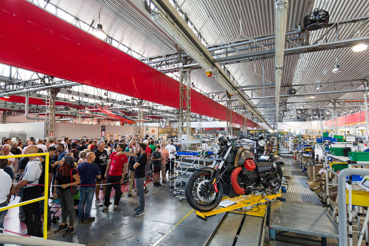 30,000 Bike Fans At The 2018 Moto Guzzi Open House - Assembly Line Visits