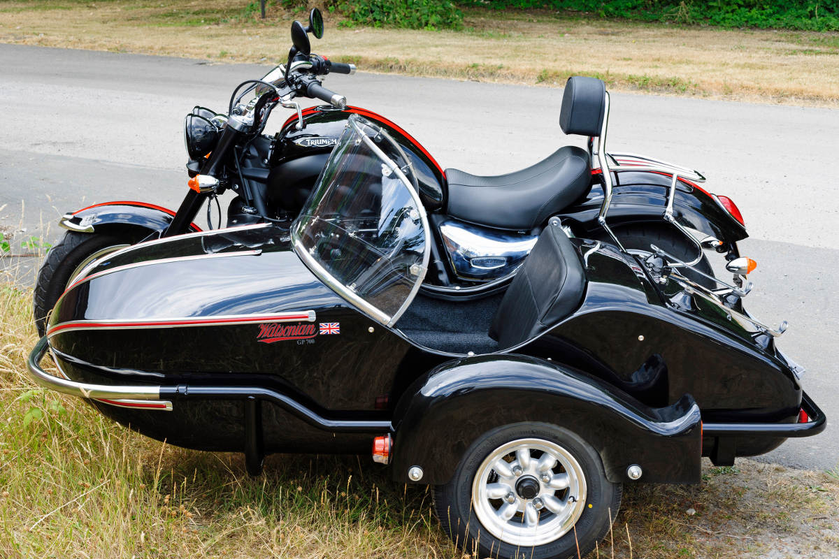 Watsonian GP700 Sidecar Now Fits The Triumph Rocket 3