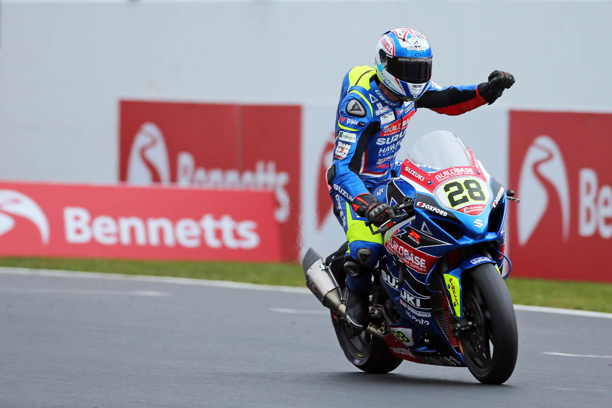 Bradley Ray Stays With Buildbase Suzuki For The 2019 BSB Series