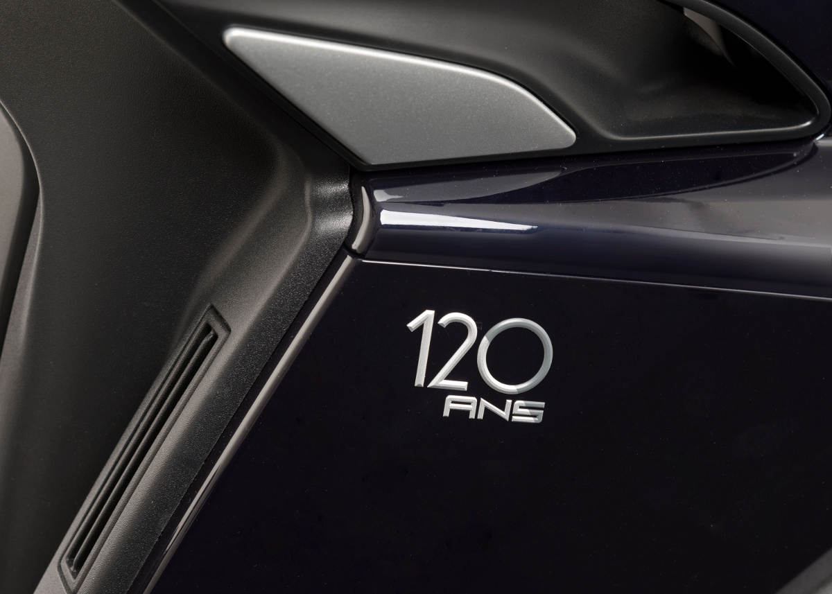 Special Peugeot Metropolis 120 Ans Has A Built-in Dash Cam Badge
