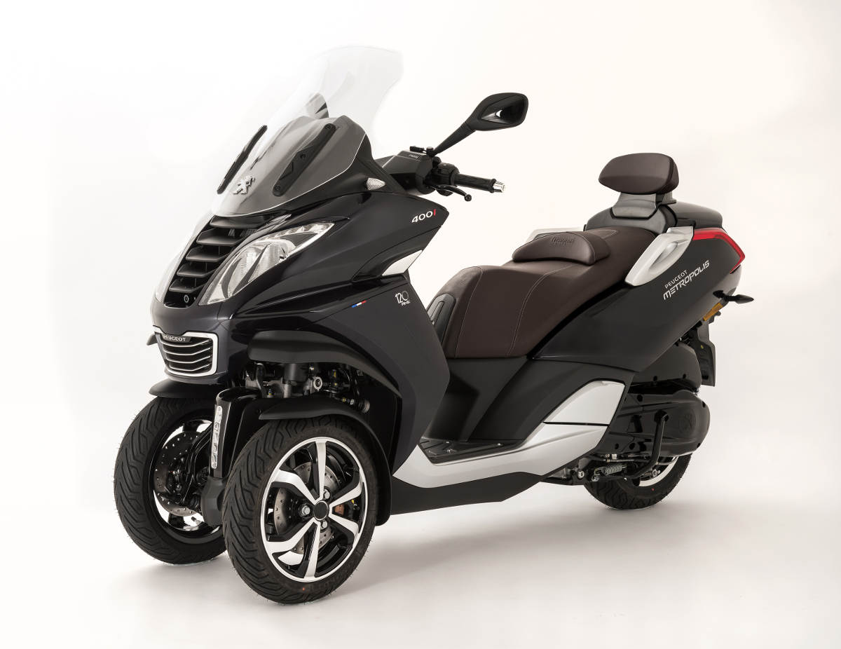 special peugeot metropolis 120 ans has a built in dash cam. Black Bedroom Furniture Sets. Home Design Ideas