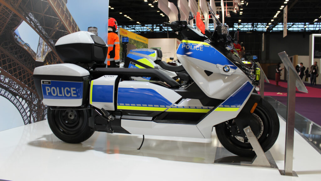 The new electic police BMW CE 04 scooter