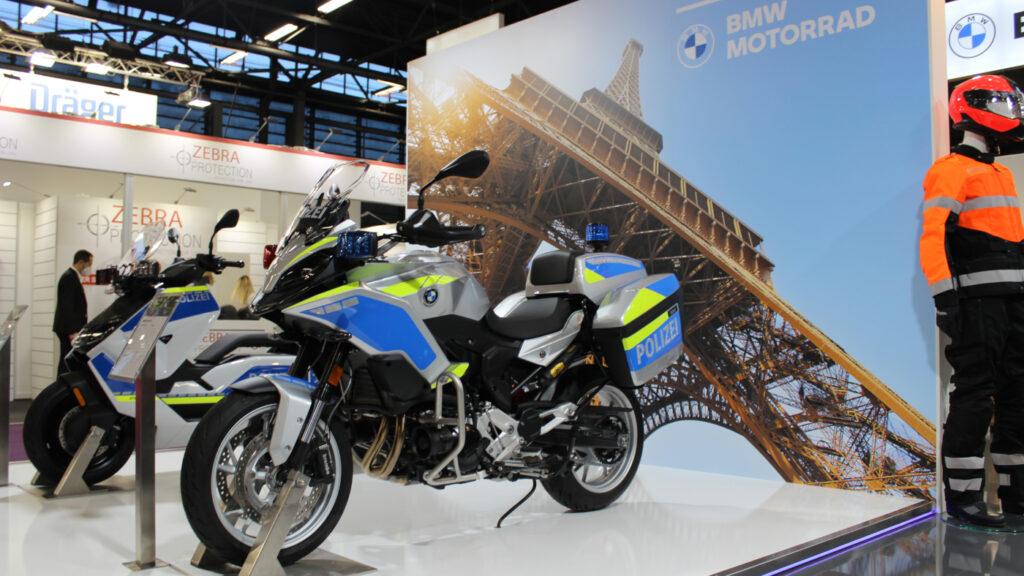 The police-spec BMW F 900 XR